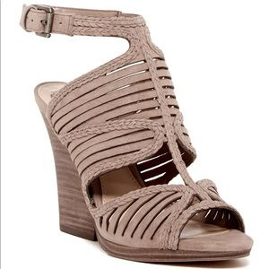 New Vince camuto Janil  sandal